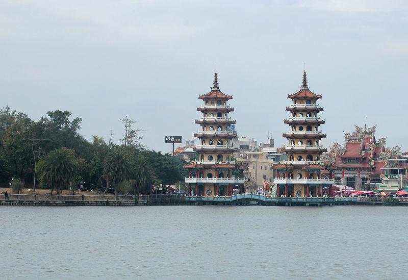 Lien-Chi Tan (Lotus Lake ) in Kaohsiung.