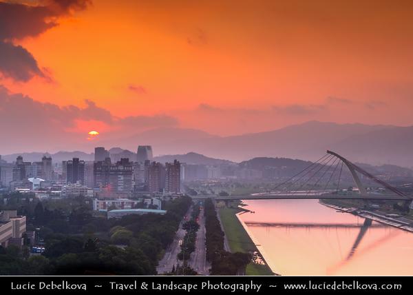 Asia - Taiwan - Republic of China (ROC) - Taipei City - 臺北市 - 台北市 - Capital City - Early Morning over Modern Skyline & Tamsui River & Tachih Bridge