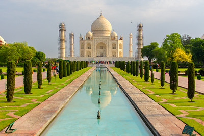 By 7:30 a.m, the light has changed to give the Taj Mahal a glow from the translucent marble.