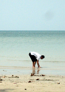 Tobias searching for crabs...