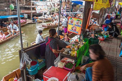 Jan 2017. The Damnoen Saduak Floating River Market, Bangkok, Thailand