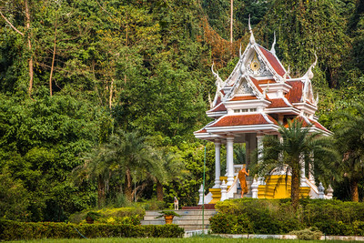 Nestled Temple,  Chiang Dao