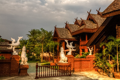 Roofs and Sculptures, Phrae