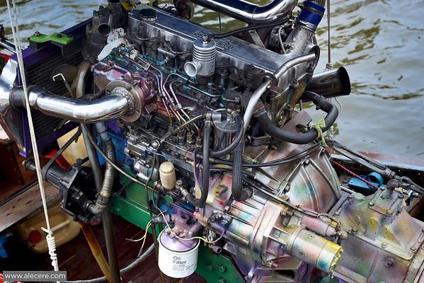 Pure power - Speedboat motor
