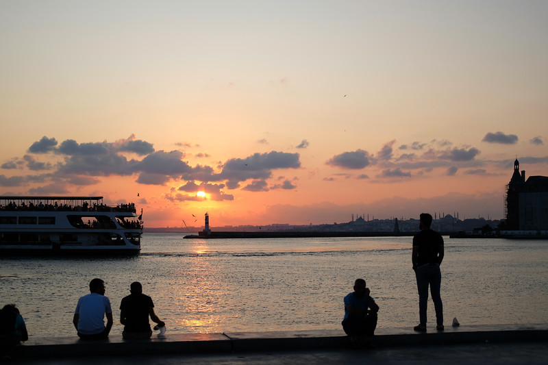 Everyone would come to the water's edge at sunset. Istanbul, August 2019.