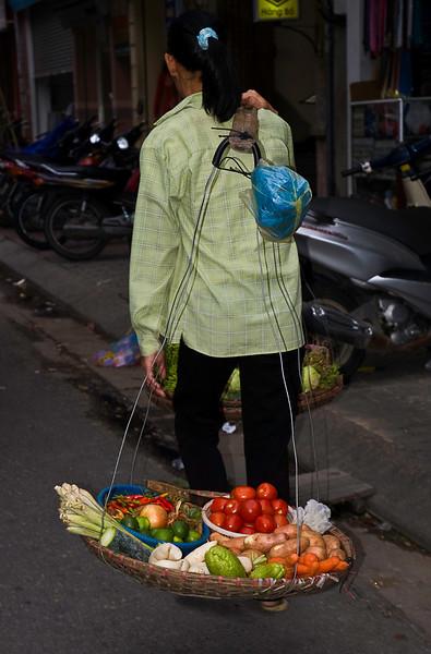 Salad bar to go, Hanoi's Old Quarter