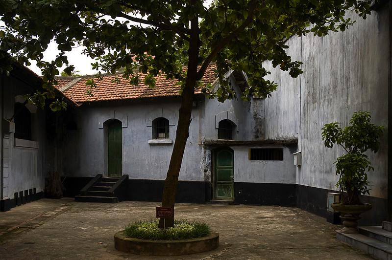 Exercise yard, Hoa Lo Prison