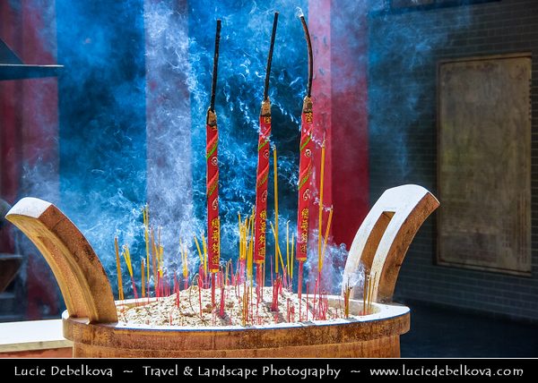 Vietnam - Ho Chi Minh City - Thành phố Hồ Chí Minh - Saigon - Sài Gòn - Worship in Traditional Chinese Buddhist Temple - Sacred House of Worship & Prayer - Burning of Incense - Joss sticks