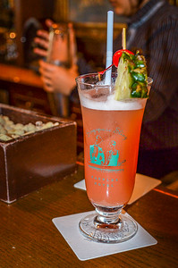 Singapore Sling @ Harry's Bar - Raffles Hotel