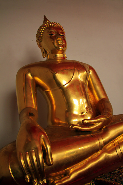 Golden Pose  - Thailand