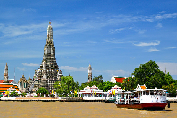 Wat Arun, the Temple of the Dawn