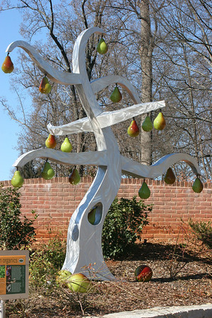 pear tree sculpture at the Botanical Gardens