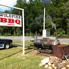 The end of a wonderful day - a bbq shack on the way to Larry and Teri's home, where we bought supper.