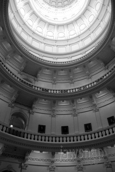 """<span id=""""title"""">Capitol Dome</span> My <a href=""""http://www.jawsnap.net/Daily/year3/11272102_ACXDJ#969054136_9Yq2R"""">8/13/10</a> daily was another shot showing the 'layers' of the Capitol building dome."""