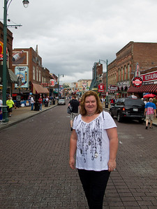 Lauralea on Beale