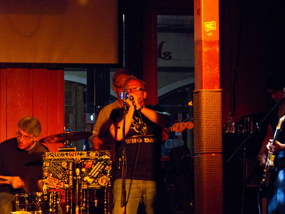 Playing the Blues Harp