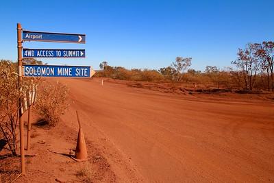 Je hebt van die wegen. Pilbara, WA, Australië.