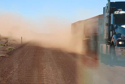 Rail Access Road Rio Tinto. Pilbara, WA, Australië.