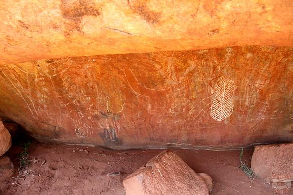 Uluru aborginal site photo 1
