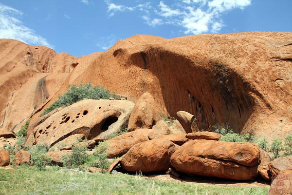 Uluru base walk photo 9