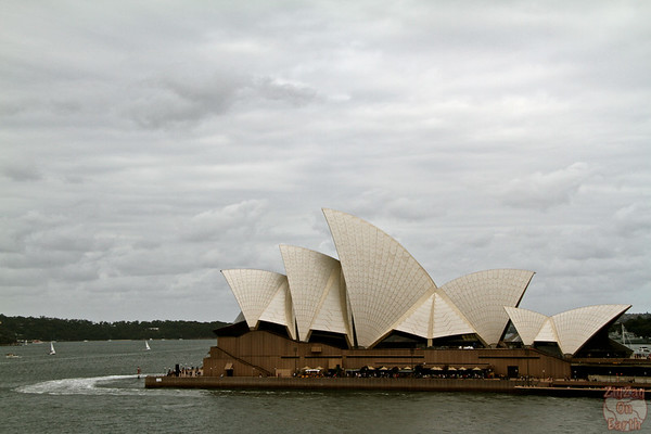 Photographing Sydney Opera house from ferry terminal 1