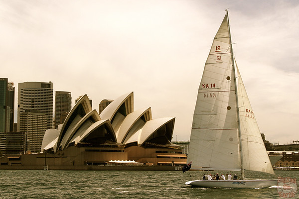 Photographing Sydney Opera house from ferry 1