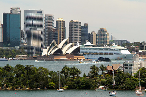 Photographing Sydney Opera house from Taronga zoo 1
