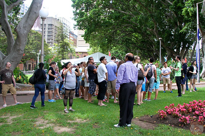 Free walking tour Sydney: large group