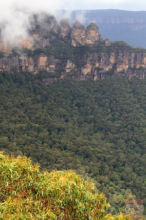 Eagle Hawk Lookout Three Sisters - Blue Mountains, Australia 4