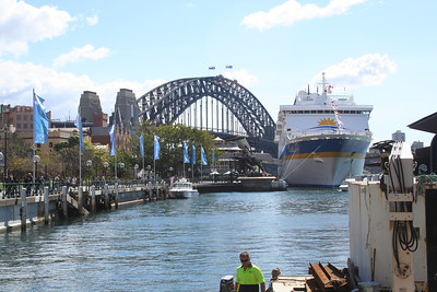 All the pictures of the Sydney harbour bridge