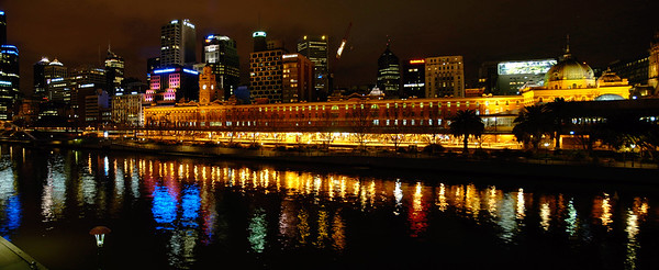 Night scene at Yarra River near Federation Square. Shot from Princess Bridge. Melbourne grew from the banks of the Yarra and even today the focus for the city is still very much on a one-kilometre section of the river. Within that one kilometre are some of the great sights and attractions of Melbourne.