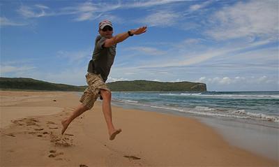 Uit de reeks: 'Jump!' Cookies Beach, South Durras, NSW, Australië.