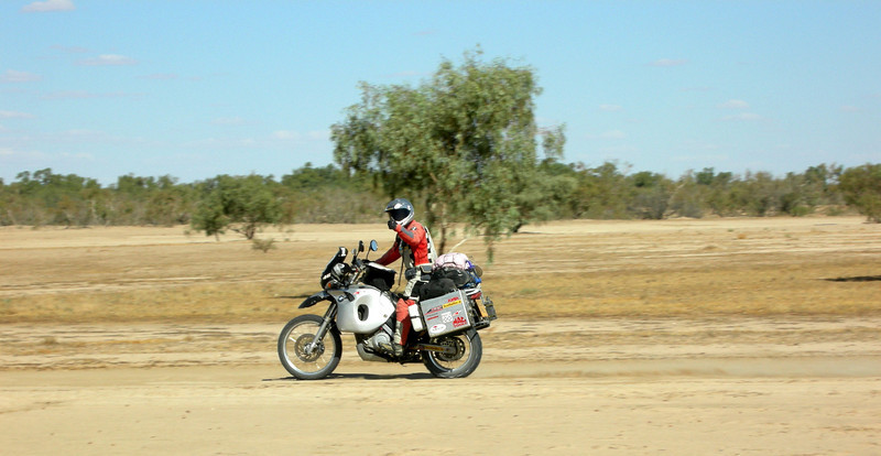 Thumbs up for 'Walkers Crossing' linking the Strzelecki  and Birdsville Tracks