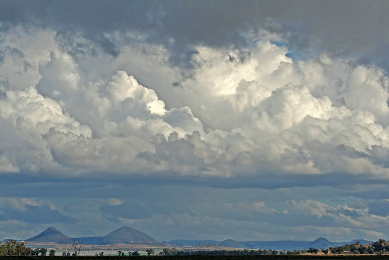 26 July, 2014: Landscape / skyscape on the Liverpool Plains near Gunnedah.