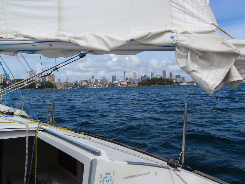 Sailing lesson in Sydney Harbour