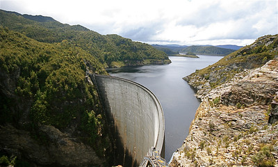 Gordon Dam, Southwest National Park, Tasmanië, Australië.