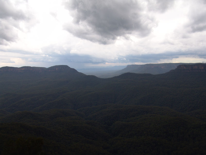 At 170m high Echo point is the tourist hub of the Blue Mountains. There are a number of lookouts for visitors to gaze upon the the Jamison Valley.