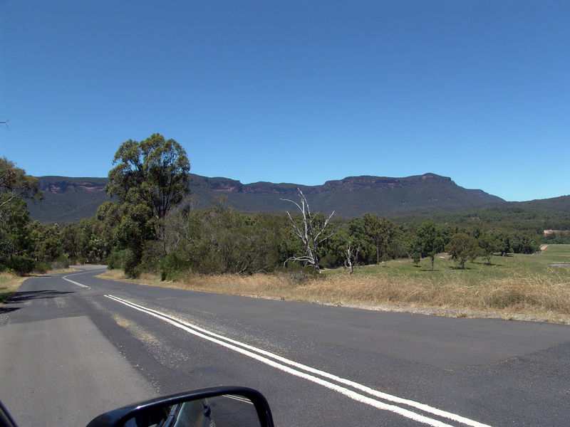 A nice view on a sunny day of the Blue Mountains above Megalong Valley