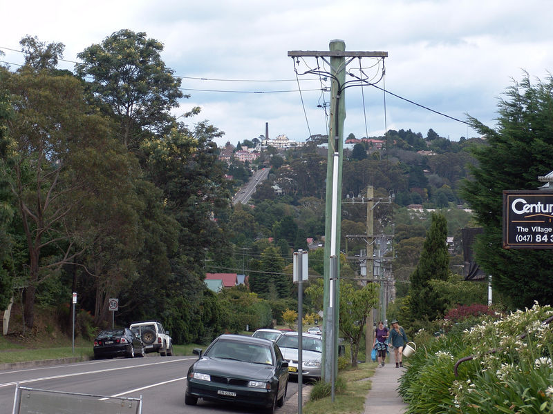 Look back towards Katoomba, Leura is situated 5 minutes drive east of Katoomba.
