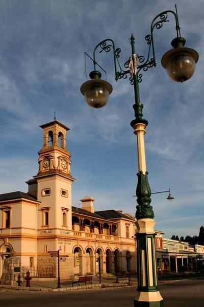 2 January 2012 @ Beechworth, Victoria: Post office and streetlight.
