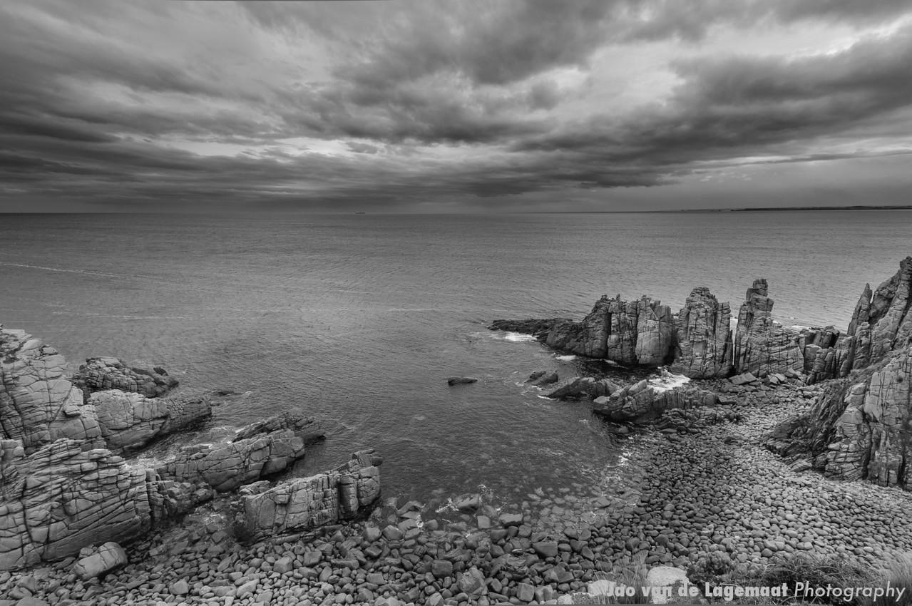 The pinnacles on Phillip Island greyscale
