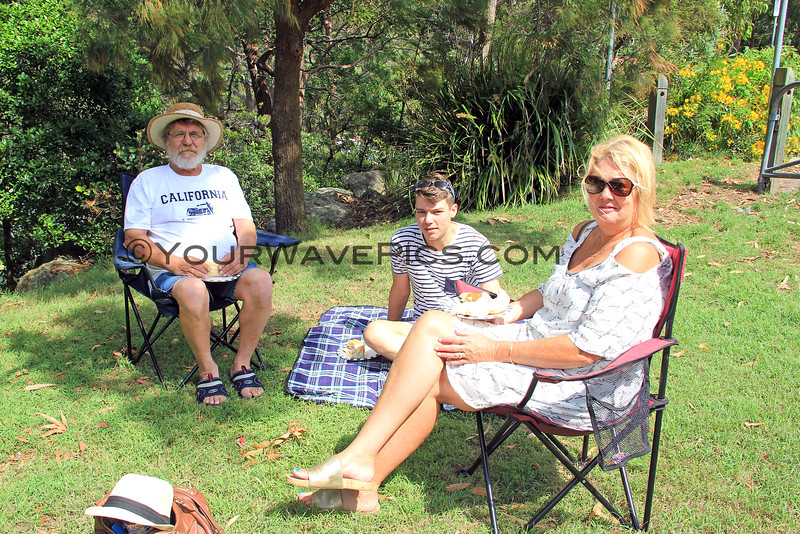 2016-03-27_1557_Leo_Ben_Louise Moonen.JPG<br /> <br /> Easter picnic with family - Tony's sister, Louise, and family