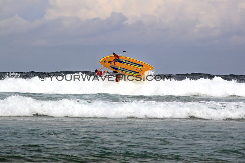 2016-03-28_1649_SUPsquatch_Freshwater.JPG<br /> <br /> Veteran life savers did an exhibition of this huge SUP board from Hawaii, called a SUPSquatch.  Things did not go well on this wave!