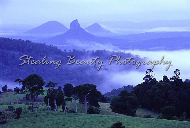 Glasshouse Mountains, Qld