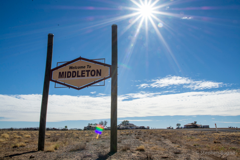 Welcome to Middleton, QLD. Pop. 2
