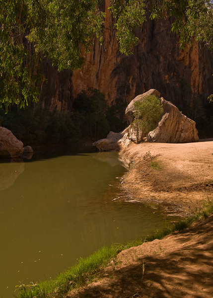 Windjana Gorge, with freshwater crocodiles