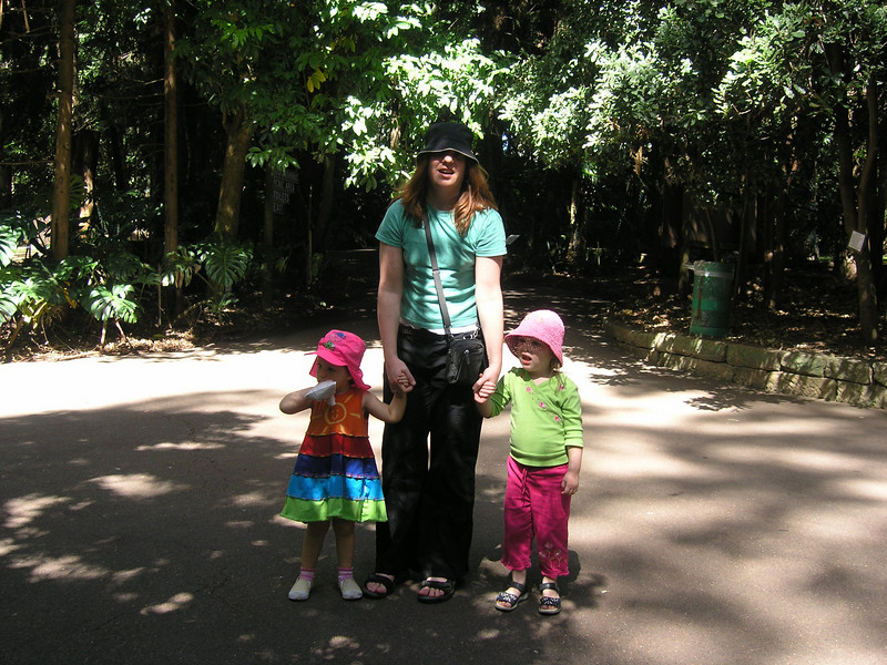 Abigail, Holly and Reilly at the Koala Park