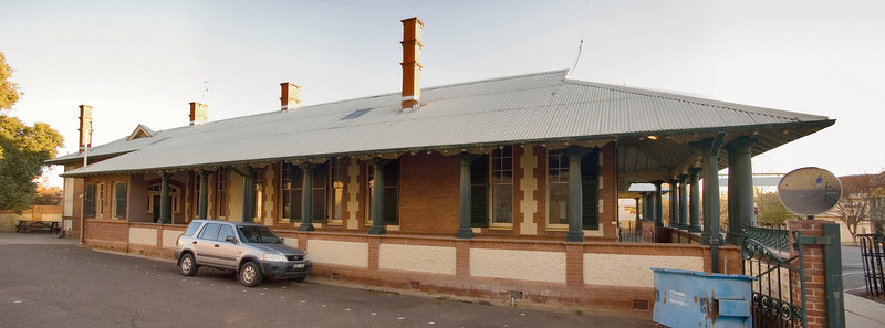 Colonial building Tamworth, New South Wales Australia - 17 Jun 2006