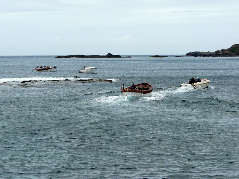 Monday - Kingston Pier - unloading of the boat.