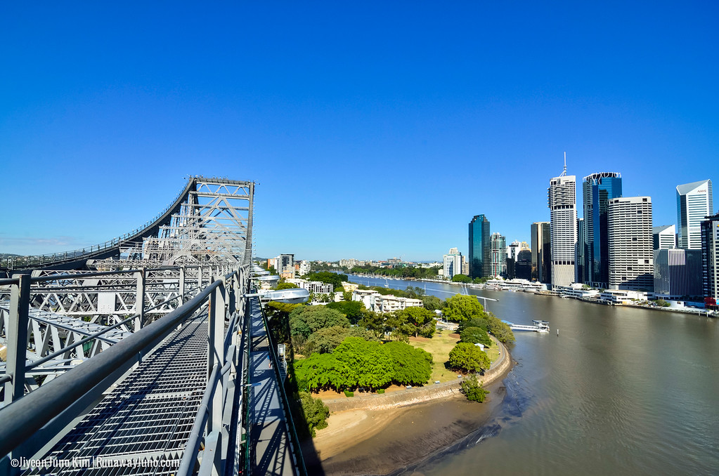 Walking on the Brisbane Story Bridge